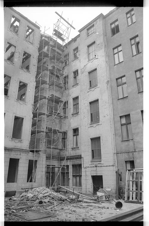 Kleinbildnegativ Hinterhof Segitzdamm 36 1975 Fhxb